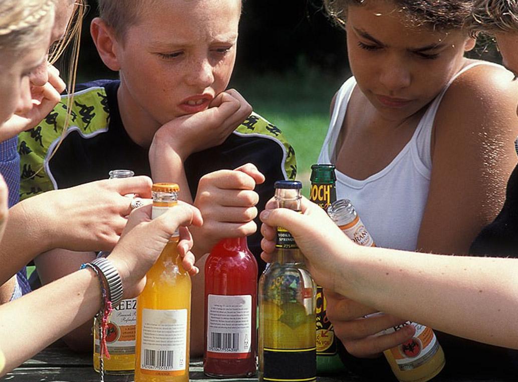 DEJEMOS DE ESTIGMATIZAR A LOS ADICTOS AL ALCOHOL