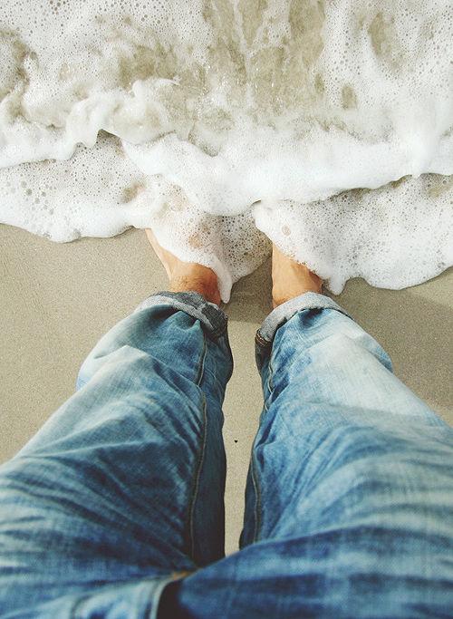 Jeansfeetinsand